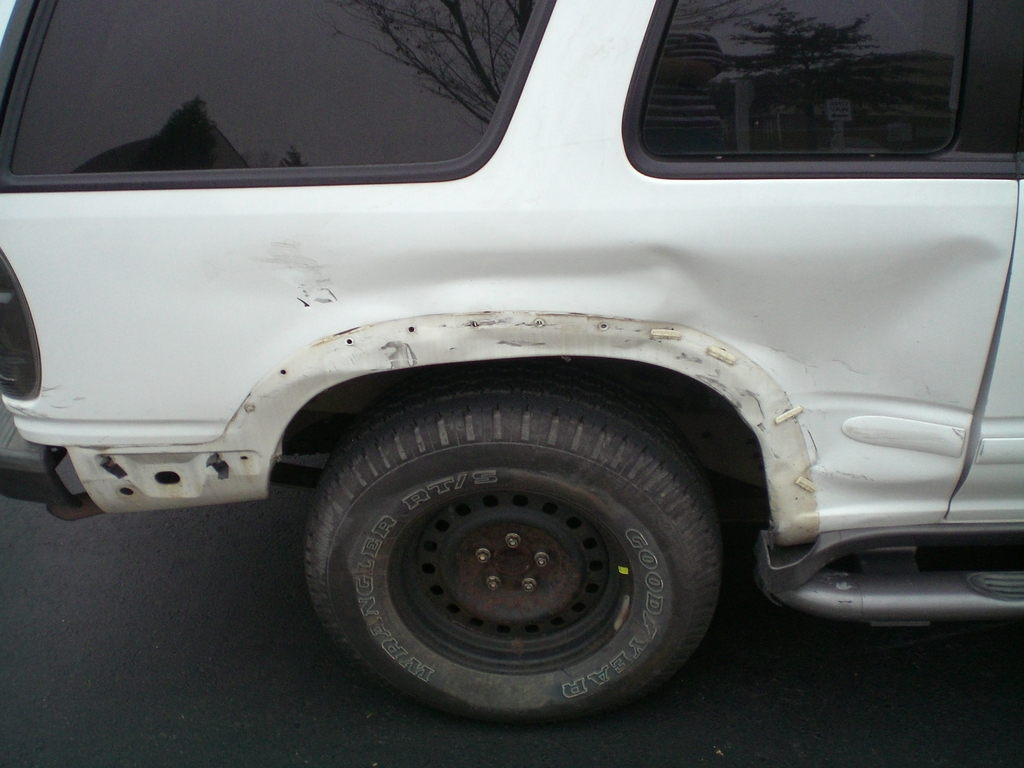 Another mikeyboy74 1998 Ford Explorer Sport post... - 6478018