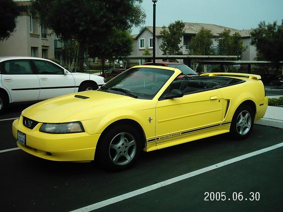 b52yellow 2001 Ford Mustang 6492908