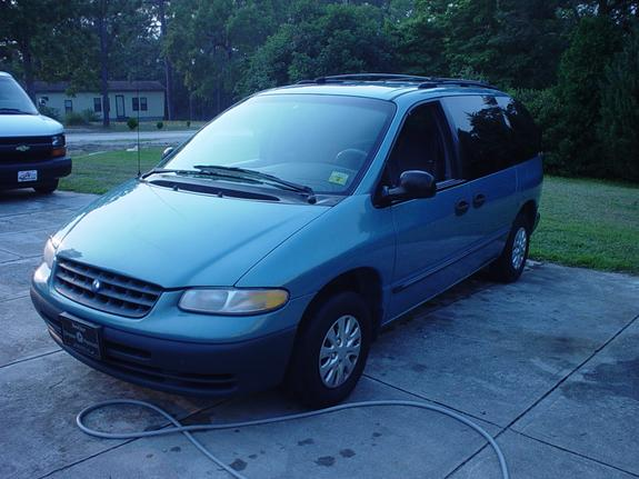 RobbieAwesome 1998 Plymouth Voyager Specs, Photos ...