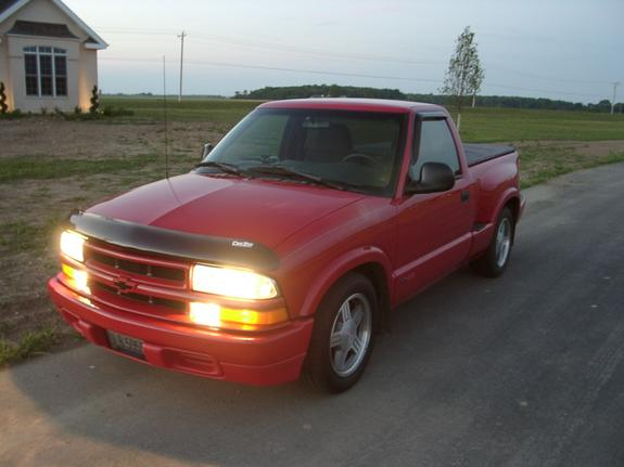 98sschevys10 39 s 1998 chevrolet s10 regular cab in findlay oh. Black Bedroom Furniture Sets. Home Design Ideas
