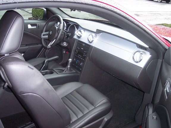 jt14894 2005 Ford Mustang 6790550