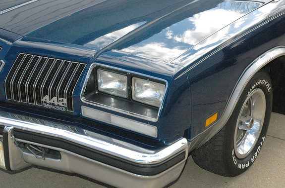 442MUCH-A's 1976 Oldsmobile 442