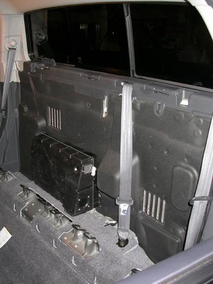 honda pilot factory amp location