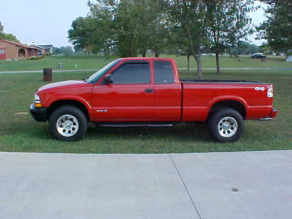 2000_S10_Red's 2000 Chevrolet S10 Regular Cab