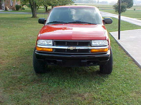 2000_S10_Red 2000 Chevrolet S10 Regular Cab 6709468