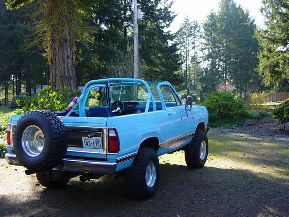 XMP-1 1976 Dodge Ramcharger