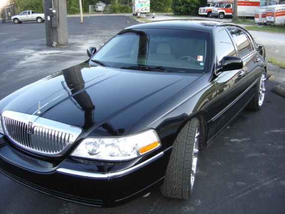sugewhite22 2003 lincoln town car specs photos modification info at cardomain. Black Bedroom Furniture Sets. Home Design Ideas