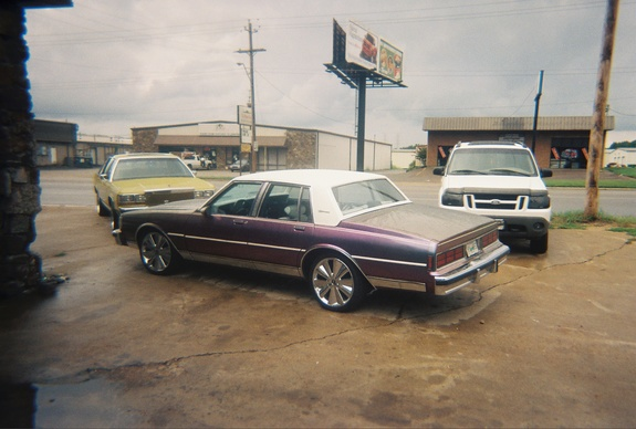 Another northnorth26 1989 Ford Crown Victoria post... - 6654855