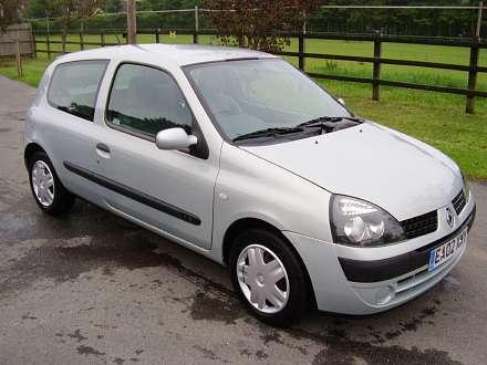 jehutyf 2002 renault clio specs photos modification info at cardomain. Black Bedroom Furniture Sets. Home Design Ideas