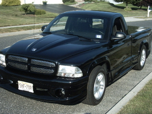 Large on 2000 Dodge Dakota 4 Door