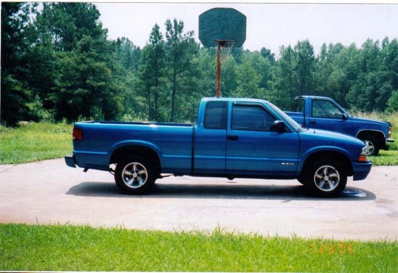 blue sdime00 2000 chevrolet s10 regular cab specs photos modification info at cardomain. Black Bedroom Furniture Sets. Home Design Ideas