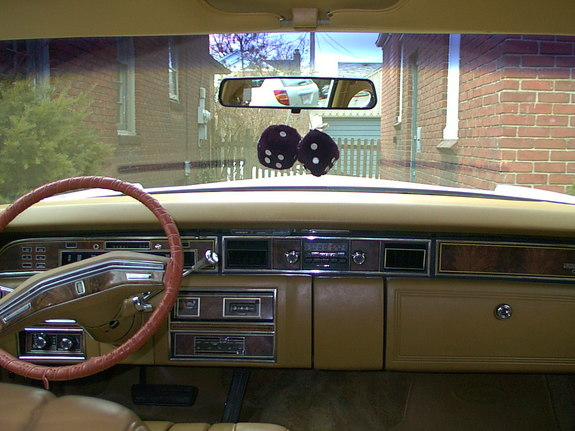 pangs33 1977 lincoln town car specs photos modification info at cardomain. Black Bedroom Furniture Sets. Home Design Ideas