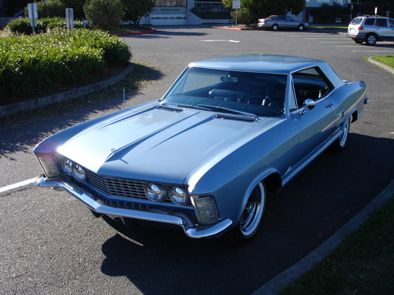 URNVS's 1964 Buick Riviera