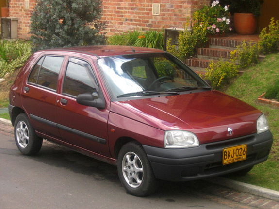 Another calamitoso 1998 Renault Clio post... - 6732738