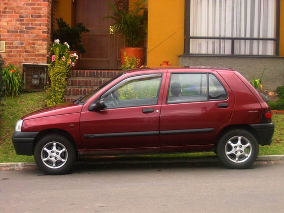 Another calamitoso 1998 Renault Clio post... - 6732740