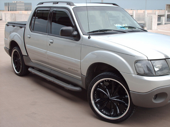 Txsporttrac 2001 Ford Explorer Sport Trac Specs Photos Modification Info At Cardomain