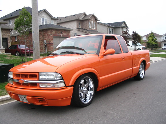wopcentral 2002 chevrolet s10 regular cab specs photos modification info at cardomain. Black Bedroom Furniture Sets. Home Design Ideas
