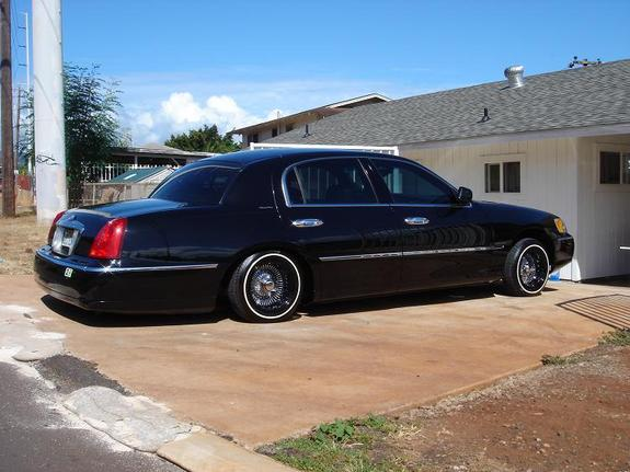 sweetconfection 2002 lincoln town car specs photos modification info at cardomain. Black Bedroom Furniture Sets. Home Design Ideas