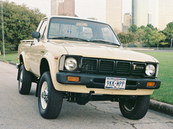 moonlight_drv 1980 Toyota Regular Cab
