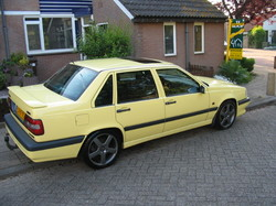 creamyellow 1995 Volvo 800-Series