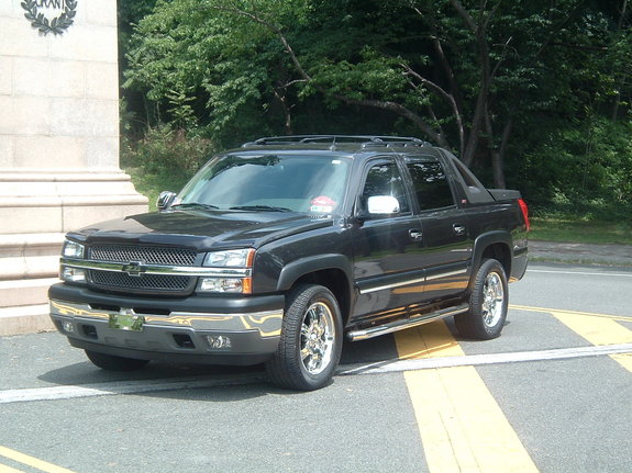 traiphilly 2005 chevrolet avalanche 1500lt sport utility. Black Bedroom Furniture Sets. Home Design Ideas
