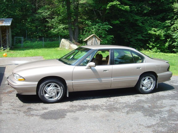 karlj 39 s 1995 pontiac bonneville in winchester nh. Black Bedroom Furniture Sets. Home Design Ideas