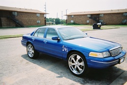 candybluevic 2001 Ford Crown Victoria