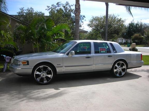 Tmoney321 1997 Lincoln Town Car Specs Photos Modification Info At