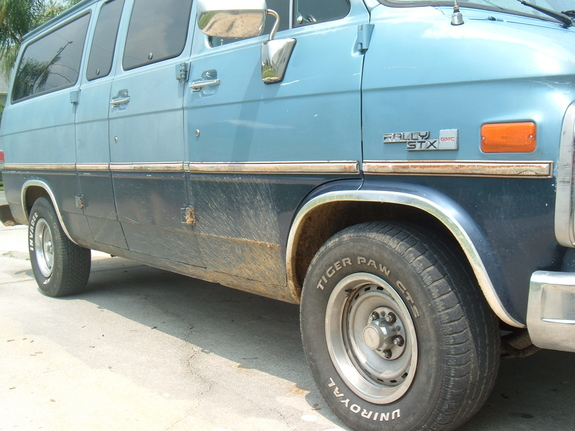 Big_blue_van 1988 GMC Rally Wagon 1500 6976704