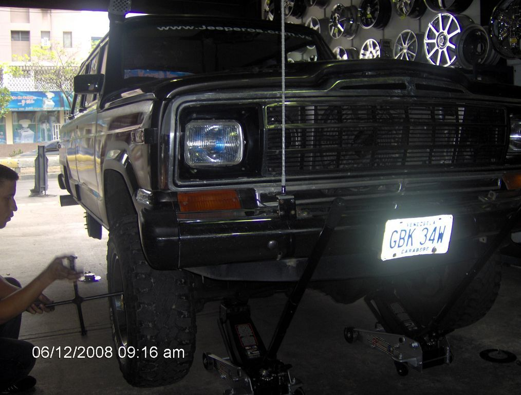 Another Supercheox 1987 Jeep Grand Wagoneer post... - 7427182