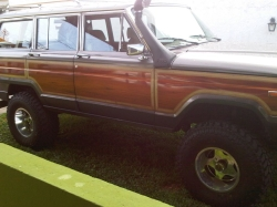 Supercheox 1987 Jeep Grand-Wagoneer
