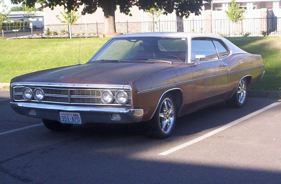 Large on Ford Galaxie 500