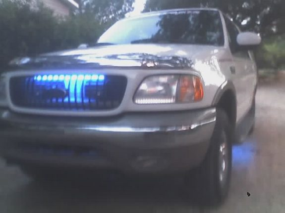 Another mmikeclass06 2000 Ford Expedition post... - 7033921