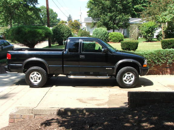 butcherzr2 39 s 1998 chevrolet s10 regular cab in parkersburg wv. Black Bedroom Furniture Sets. Home Design Ideas