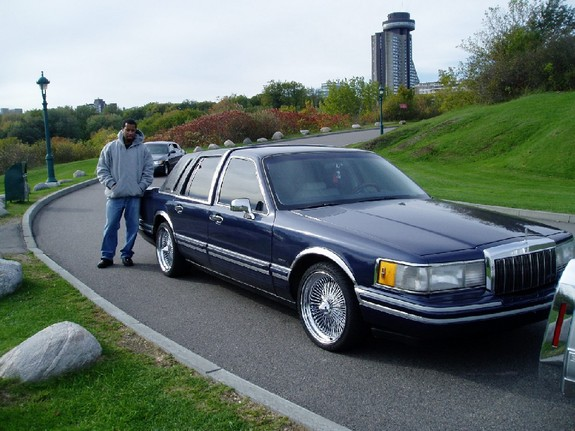 sabujose 1994 lincoln town car specs photos modification info at cardomain. Black Bedroom Furniture Sets. Home Design Ideas