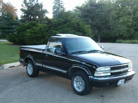 tastyswannn 1998 chevrolet s10 regular cab specs photos modification info at cardomain. Black Bedroom Furniture Sets. Home Design Ideas