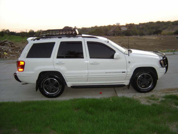 damoncaravanman 2004 jeep grand cherokee specs photos modification info at cardomain. Black Bedroom Furniture Sets. Home Design Ideas