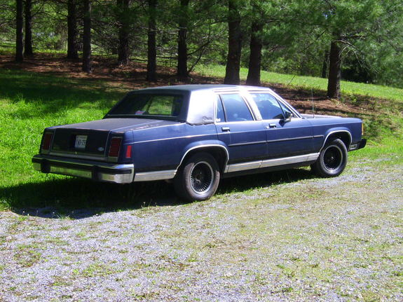 Tiggie 1982 Ford LTD Crown Victoria 7147324