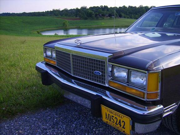 1982 Ford LTD Crown Victoria