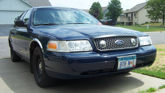Another younggun85 2001 Ford Crown Victoria post... - 7402110
