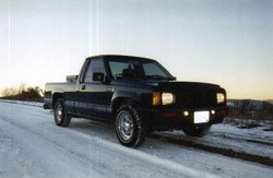 chris_the_skier 1987 Dodge Mini Ram