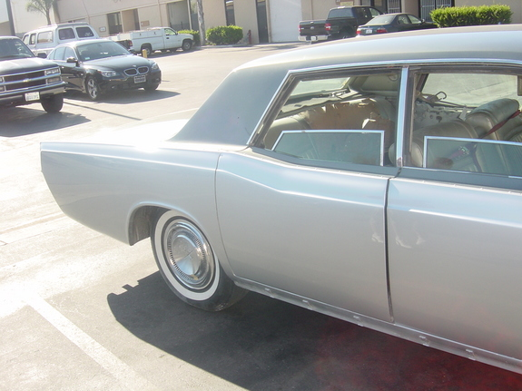 Another OscarLV2005 1967 Lincoln Continental post... - 7287156