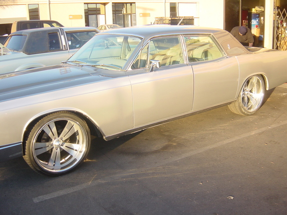 OscarLV2005's 1967 Lincoln Continental