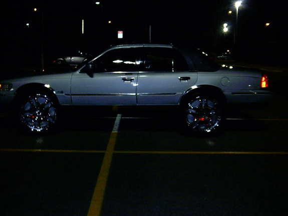 Another bigbootyon26s 1999 Mercury Grand Marquis post... - 7318991