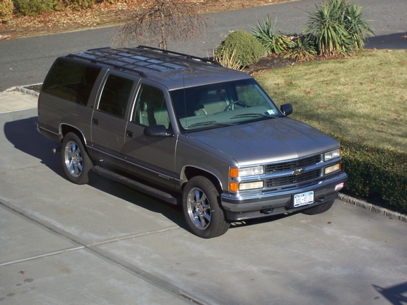 fredosayz 1999 chevrolet suburban 1500 specs photos modification info at cardomain. Black Bedroom Furniture Sets. Home Design Ideas