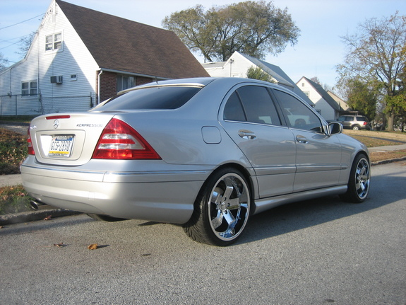 Another jimmyy 2005 Mercedes-Benz C-Class post... - 7326579