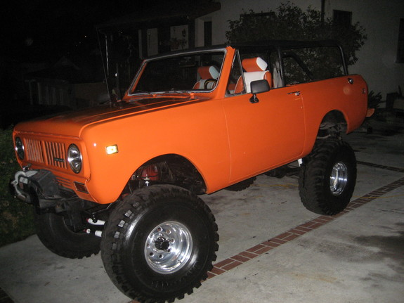 scoutldr's 1974 International Scout II