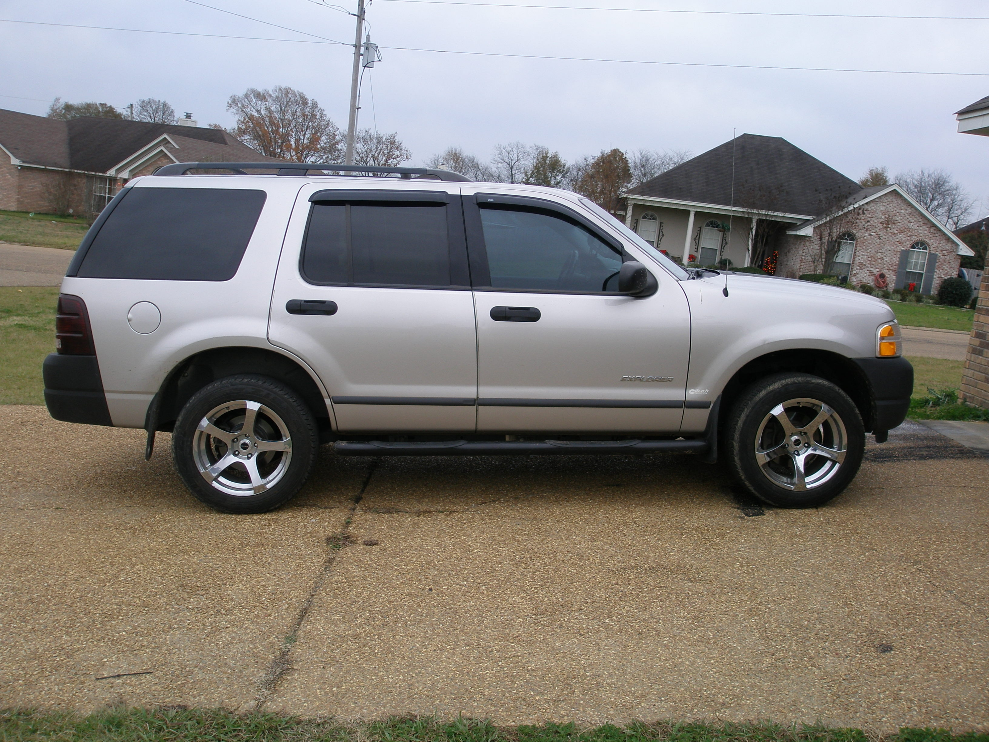 Rama1200 S 2004 Ford Explorer In Jackson Ms
