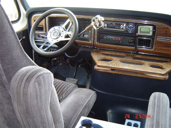 1991 FORD E 150 CUSTOM PAINT AND GRAPHICS INTERIOR PICTURES TO FOLLOW PIONEER