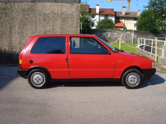 Another escourt23 1987 Fiat Uno post... - 7378205